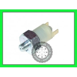 Czujnik zabrudzenia filtra ciśnienia oleju Massey Ferguson 3381387M5