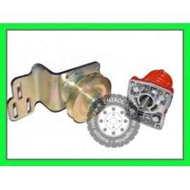 Wspornik pompy pod sprężarkę do wspomagania + pompa Ursus C330 ZESTAW